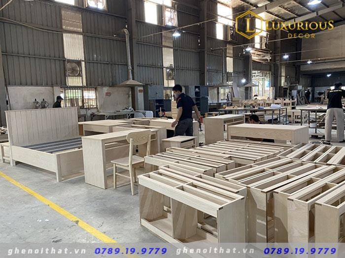 Hình ảnh sản xuất bàn ghế nội thất tại xưởng