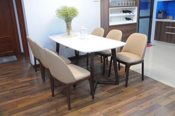 Bàn ăn gỗ 6 ghế mặt bàn trắng phối chân nâu