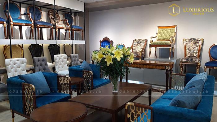 Khu vực trưng bày sản phẩm tân cổ điển tại Showroom