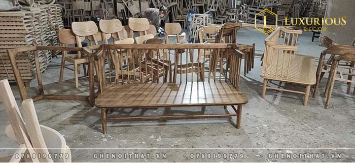 Xưởng sản xuất bàn ghế hiện đại