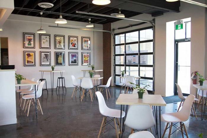 Mẫu Bàn Ghế Cafe Chân Sắt